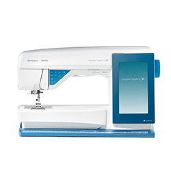 Computer controlled sewing and embroidery machine, 680 sewing programs, 620 embroidery designs